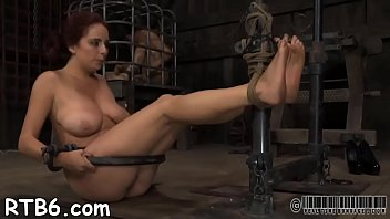 slave master worships his captured Esposa relizando fantasia
