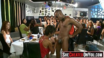 5 crazy bitches Ver video joven ameteur pierde virginidad con torbe por dinero