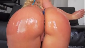 a horny ass sexy bikini big white giving in stud black boner Young japanese get rape from big dick